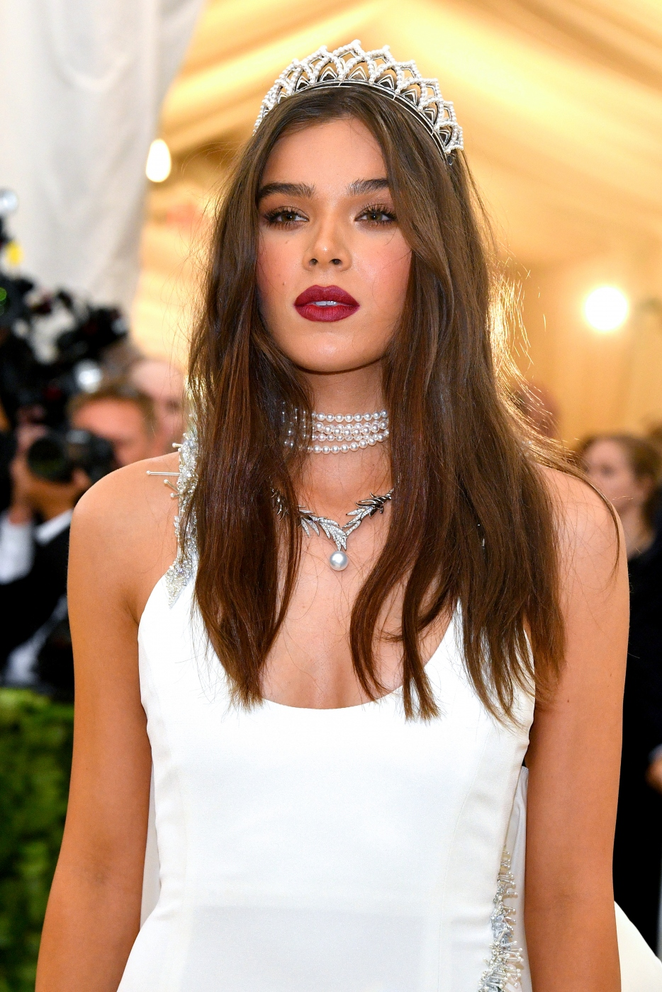 [ Evénement ] Hailee Steinfeld : Fashion & The Catholic Imagination Costume Institute Gala