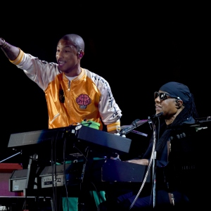Pharrell Williams and Stevie Wonder perform onstage during the 2017 Global Citizen Festival