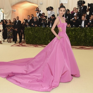 Ming Xi : Fashion & The Catholic Imagination Costume Institute Gala